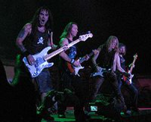 200px-iron_maiden_-_bass_and_guitars_30nov2006.jpg